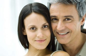 How to Sustain the Love in a Relation with Wide Age Gap